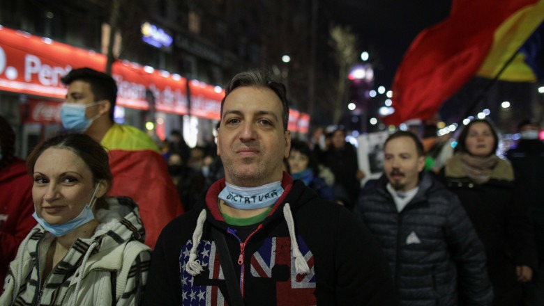 Despre proteste si huliganism
